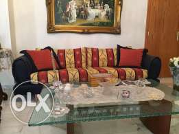 Salon for Sale (3 couches + 2 tables)