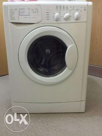 INDESIT washing / dryer machine بلونة -  1
