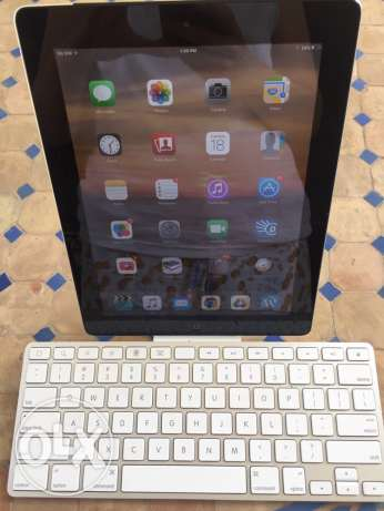 iPad 2 (3G and Wifi) with its original Apple keyboard غازير -  1