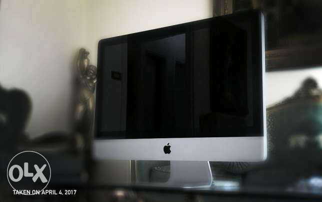 Apple iMac Core i3 3.06GHz 21.5-Inch + Free Mouse & Keyboard