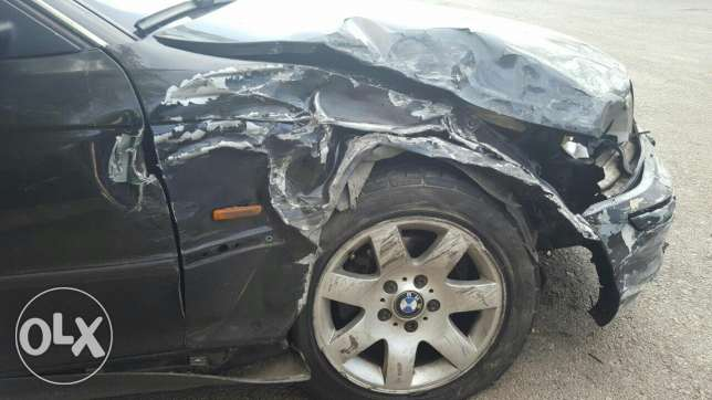 Car for sale after accident.. bmw newboy mod 99 msalaha cherke 4000$ جديدة -  4