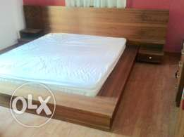 Bed double 2m good condition + toilette +mirror bedroom