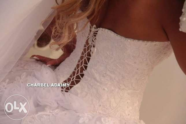 wedding dress and scarve and bride's maids 3 sizes for rent أشرفية -  1