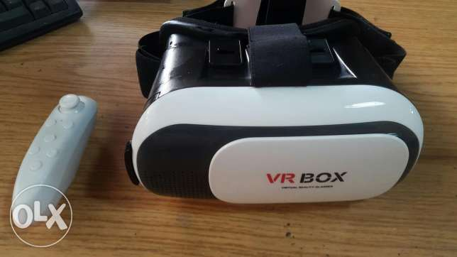 Vr Box With Controller very clean just for 16$