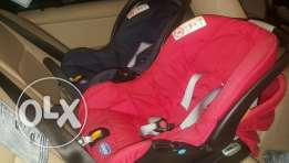 2 or 1 Chicco Car seats for sale in a very good condition.