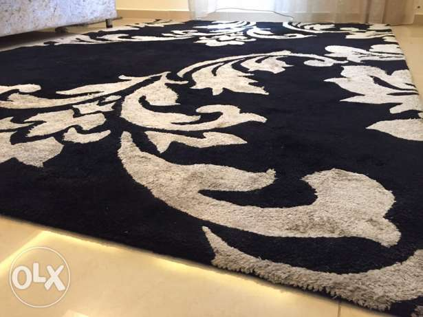 Big Modern Carpet with 2 matching Rugs