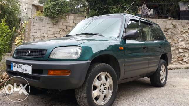 Toyota rav4 full options 4x4 كسروان -  1
