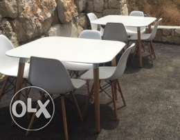 white table 1 m x 1 m with 4 chairs