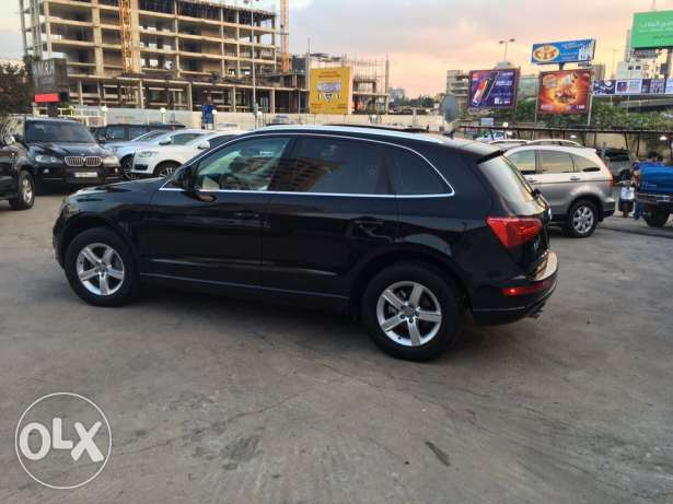 Audi Q5 2.0T 2011 Black/Basket Fully Loaded Clean Carfax Like New! بوشرية -  4