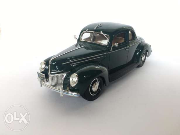 1/18 Ford Deluxe 1939 Diecast Car