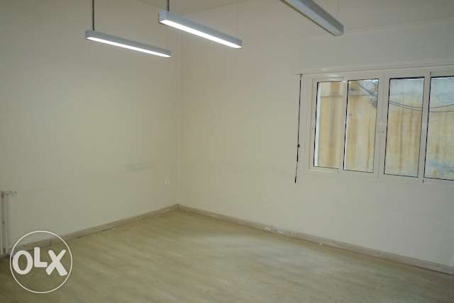 Office in Achrafieh 200M2 triangle d'or GF
