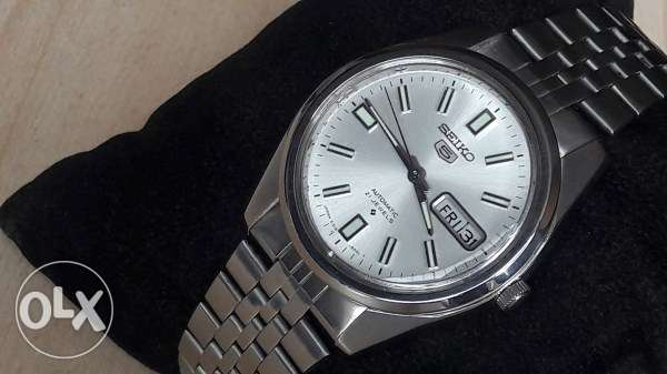 Vintage 1970's Seiko 5 automatic 21 jewels in mint condition
