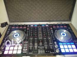 Ddj sx2 like new with box and flyt case only for 1100