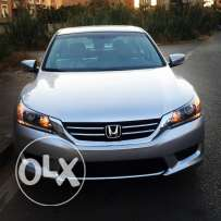 2014 Honda Accord 4 cylinders silver/gray, camera done only 22,000