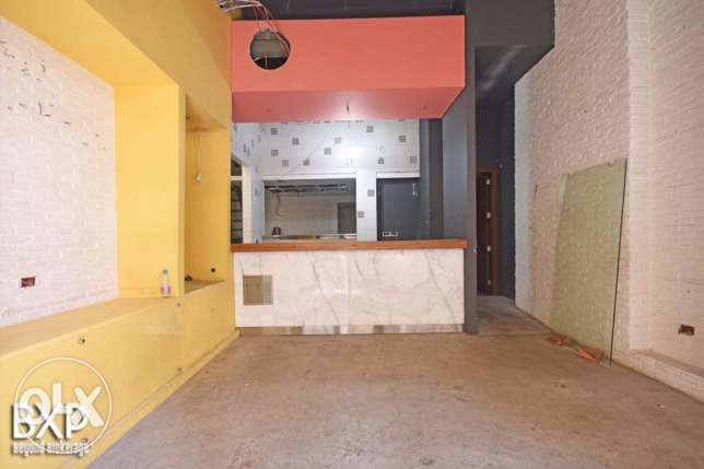 60 SQM Shop for rent in Hamra,RE5954.