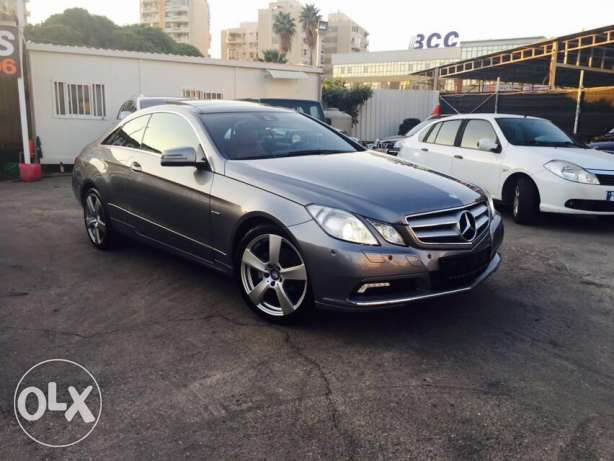 Mercedes E250 Gray/Red 2010 Fully Loaded in Excellent Condition! بوشرية -  7