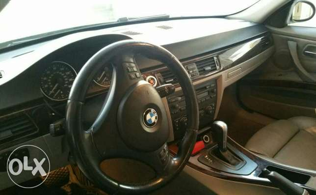 Bmw 330 full option khaldeh