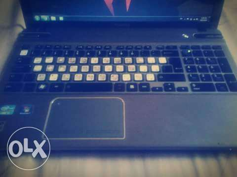 Laptop toshiba satellite المرفأ -  4