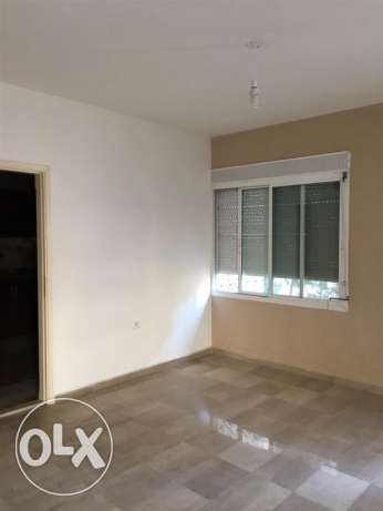 Ras Nabeh: 150m apartment for sale راس النبع -  2