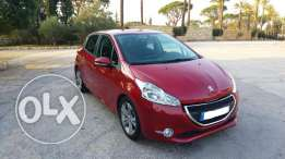Peugeot 208 1.6 VTI 2013 full/Automatic Sports red Color excellent