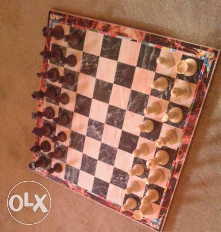 Chess and Checkers 2 in 1 Board good quality