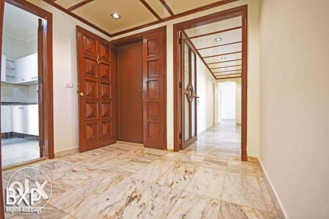 170 SQM Apartment for Rent in Beirut, Hamra AP5293 راس  بيروت -  1