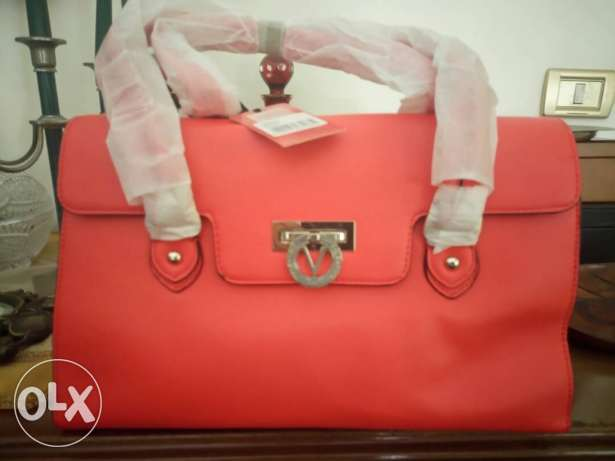 Bag Valentino free delivery to all lebanon