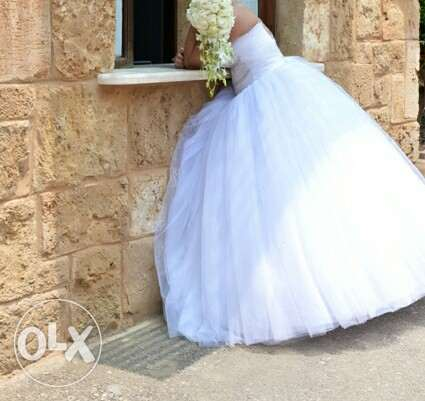 White wedding dress الشوف -  1