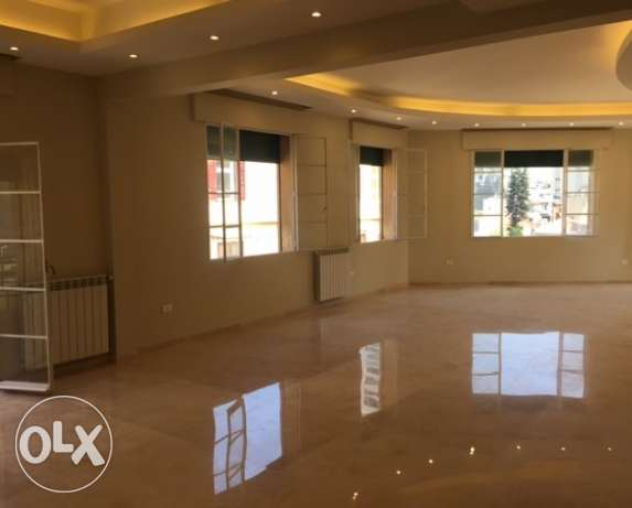 R16148 - Semi Furnished Apartment For Rent in Downtown