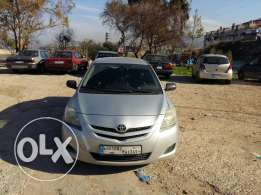 Toyota yaris 2008 silver sedan for sale