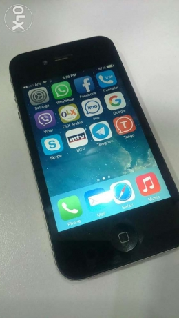 Used for sale iphone 4 32 g very very very good condition راس النبع -  1