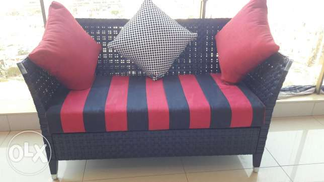 Love seat black and red