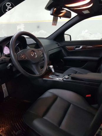 C300 black and black clean car fax look AMG new arrival خلدة -  5