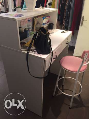 hangers and shop desk with the chair راس  بيروت -  1
