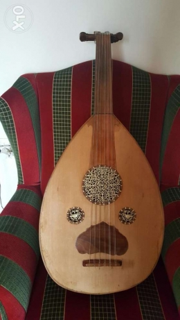 Oud Hajjar old and beautiful of rosewood and oak very perfect