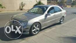 Mercedes C230 خارقة النظافه clean car fax 2006 one owner perfect cond