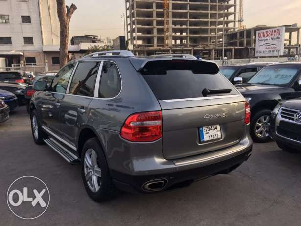 Porsche Cayenne S 2004 Gray with Upgraded Face Lift in Good Condition! بوشرية -  3