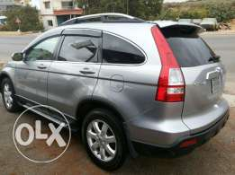 CRV super clean ajnabi wbala 7adis 4well full option jild aswad
