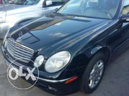 .Mercedes 350E. black...2006..full option..leather seat
