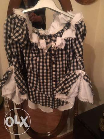 black and white patterned shirt size M