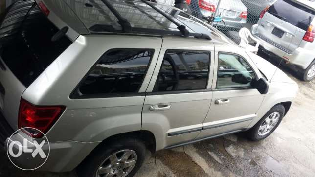 Grand cherokee laredo full option انطلياس -  7