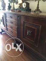 Spanish dining table with 8 seats+Dressoir