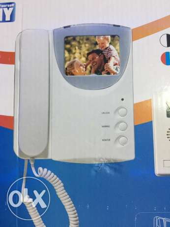 videophone with outdoor camera ( new in box)