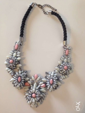 beautiful necklace brand new