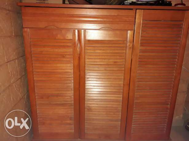 Wooden closet for shoes