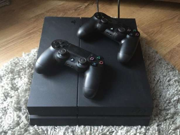 Ps4 in a great conditi. 500GB used for 6 months,has 6 months guaranty