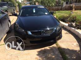 FHonda Accord v6 2010 full option fat7a bel sa2ef farech jeled Aswad