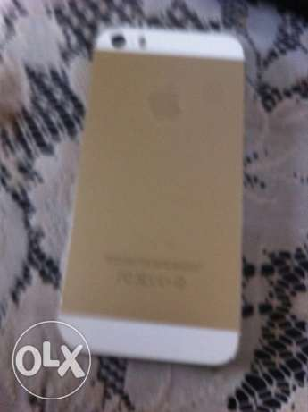 Iphone 5s gold ma3o kil 8rado ktir ndif