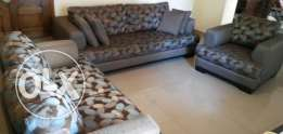 Set of 3 Sofas -> cause Moving abroad