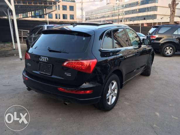 Audi Q5 2.0T 2011 Black/Basket Fully Loaded Clean Carfax Like New! بوشرية -  6